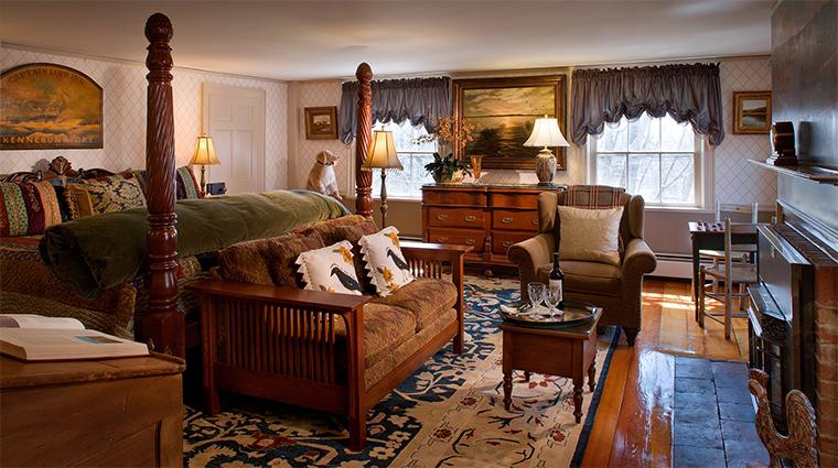 Property TheCaptainLordMansion Hotel 11 GuestroomSuite HarvestSuite Bedroom CreditCaptainLordMansionInnandSpa