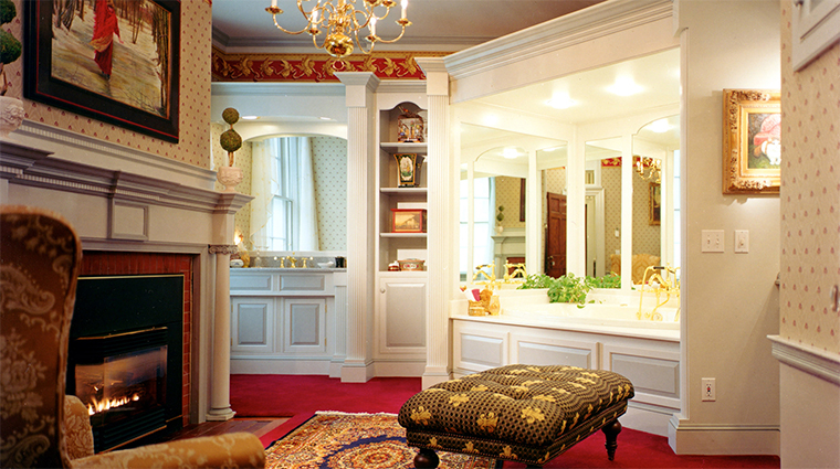 Property TheCaptainLordMansion Hotel 18 GuestroomSuite MerchantSuite Bathroom CreditCaptainLordMansionInnandSpa