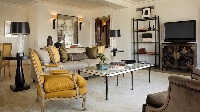 Property TheCarlyle Hotel GuestroomSuite CentralParkTowerSuiteLivingRoom RosewoodHotels&ResortsLLC