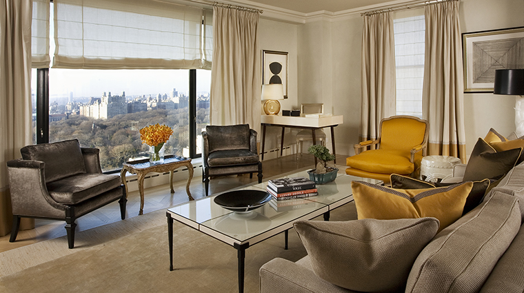 Property TheCarlyle Hotel GuestroomSuite CentralParkTowerSuiteLivingRoomwithView RosewoodHotels&ResortsLLC