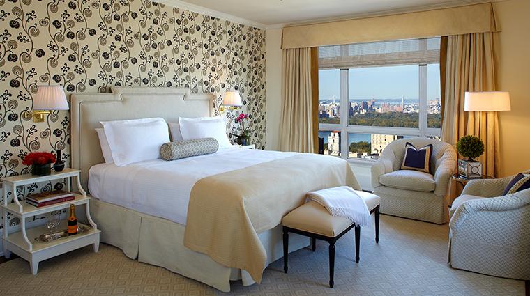 Property TheCarlyle Hotel GuestroomSuite DeluxeKingGuestroom RosewoodHotels&ResortsLLC