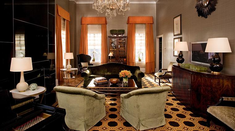 Property TheCarlyle Hotel GuestroomSuite PremierTwoBedroomSuiteLivingRoom RosewoodHotels&ResortsLLC