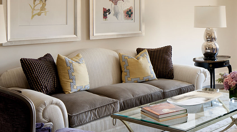 Property TheCarlyle Hotel GuestroomSuite SuperiorKSuiteLivingRoom RosewoodHotels&ResortsLLC