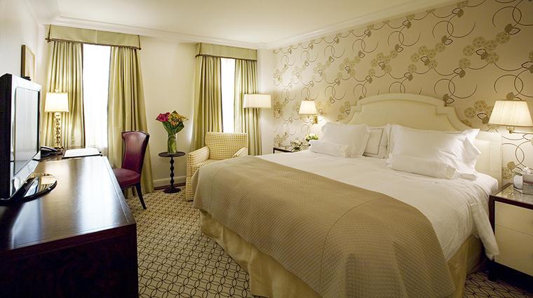Property TheCarlyle Hotel GuestroomSuite SuperiorKingGuestroom RosewoodHotels&ResortsLLC