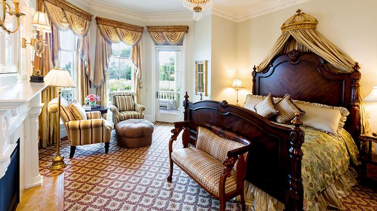 Property TheChanler 3 Hotel GuestroomSuite RegencyGuestRooom CreditTheChanleratCliffWalk