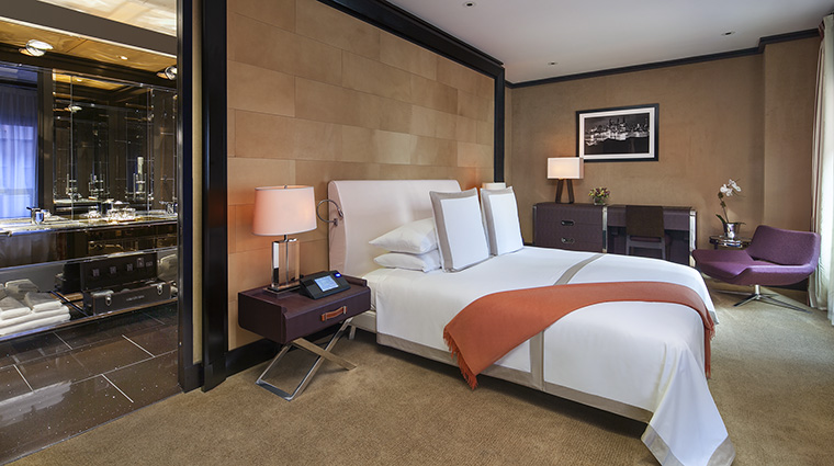 Property TheChatwal Hotel GuestroomSuite DirectorSuitePenthouseBedroom StarwoodHotels&ResortsWorldwideInc