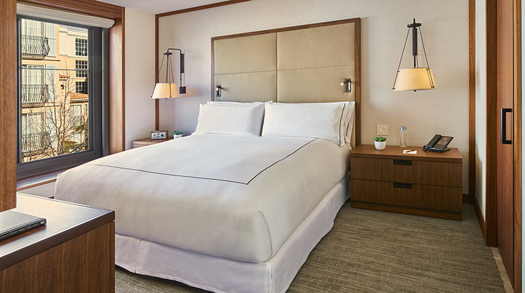 Property TheClementHotel Hotel GuestroomSuite GuestSuiteBedroom TheClementHotel