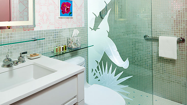 Property TheColonyPalmBeach Hotel GuestroomSuite ColonyVarneyBathroom TheColonyPalmBeach