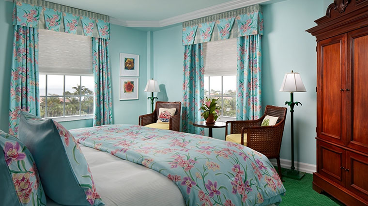 Property TheColonyPalmBeach Hotel GuestroomSuite PremiumSuiteBedroom TheColonyPalmBeach