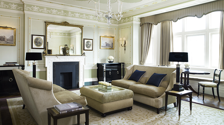 Property TheConnaught Hotel GuestroomSuite ConnaughtSuite MaybourneHotelGroup