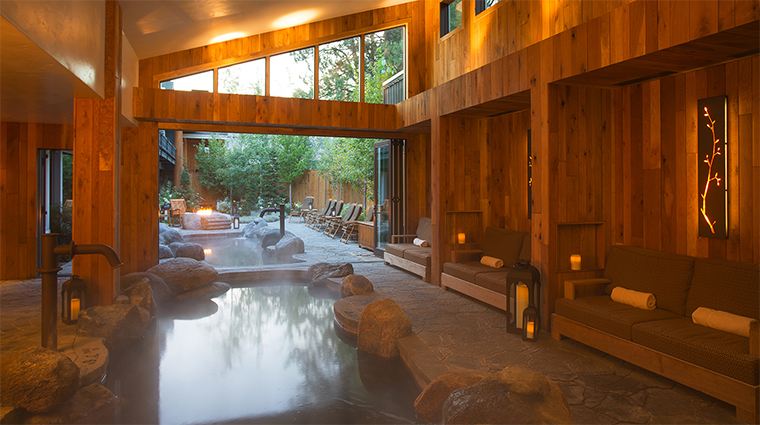 Property TheCoveSpa Spa 1 Style IndoorOutdoorImmersionPools CreditShoreLodege
