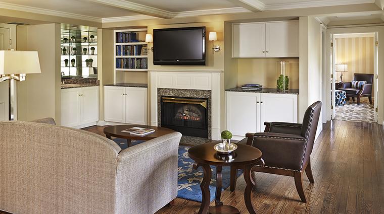 Property TheEquinoxResort&Spa Hotel GuestroomSuite OrvisInnSuiteParlor StarwoodHotels&ResortsWorldwideInc