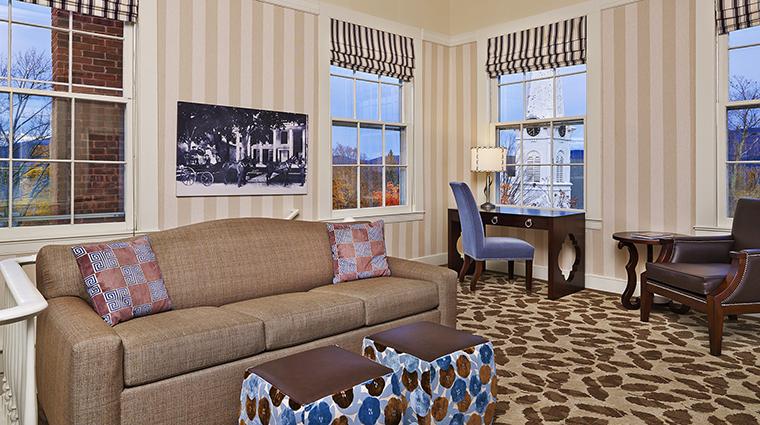 Property TheEquinoxResort&Spa Hotel GuestroomSuite SuiteParlor StarwoodHotels&ResortsWorldwideInc