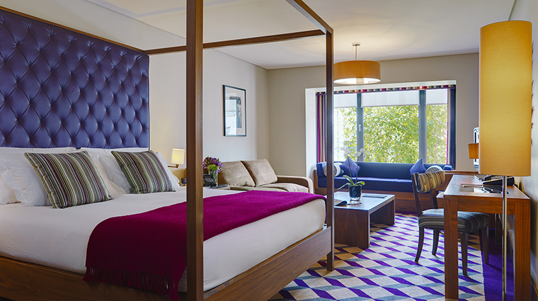 Property TheFitzwilliamHotel Hotel GuestroomSuite DeluxeFamilyRoom TheFitzwilliamDublinHotel