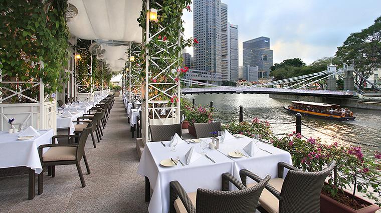 Property TheFullertonHotelSingapore Hotel Dining TownRestaurantAlfresco TheFullertonHotelSingapore