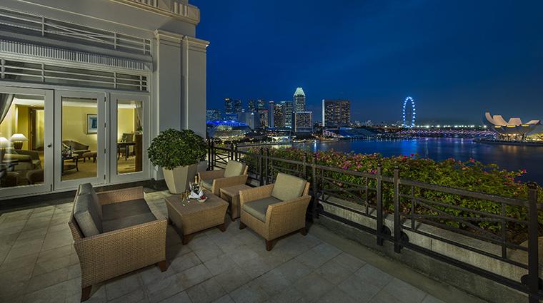 Property TheFullertonHotelSingapore Hotel GuestroomSuite FullertonSuiteBalcony TheFullertonHotelSingapore