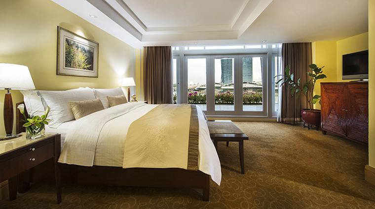 Property TheFullertonHotelSingapore Hotel GuestroomSuite FullertonSuiteBedroom TheFullertonHotelSingapore