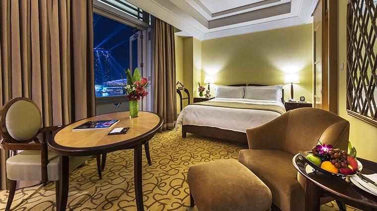 Property TheFullertonHotelSingapore Hotel GuestroomSuite PremierQuayRoom TheFullertonHotelSingapore