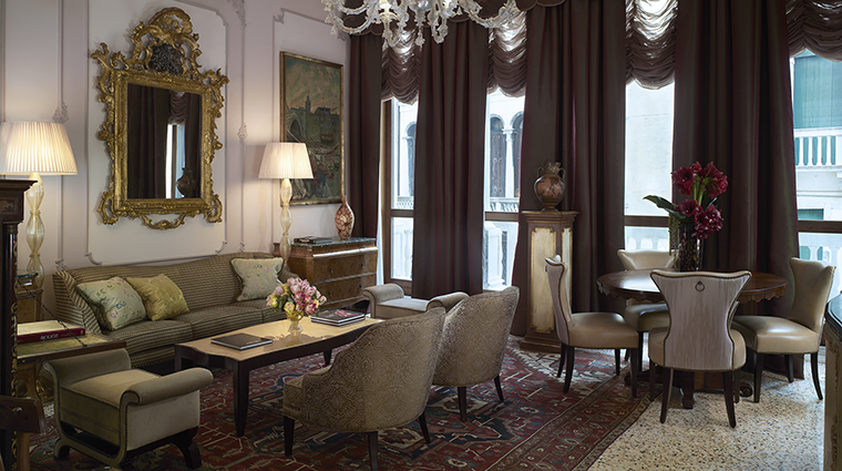 Property TheGrittiPalaceVenice Hotel GuestroomSuite TheCoppaVolpiHeritageSuite StarwoodHotels&ResortsWorldwideInc