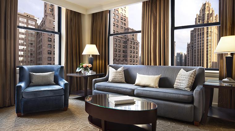 Property TheGwen Hotel GuestroomSuite SuiteLivingRoom2 StarwoodHotels&ResortsWorldwideInc
