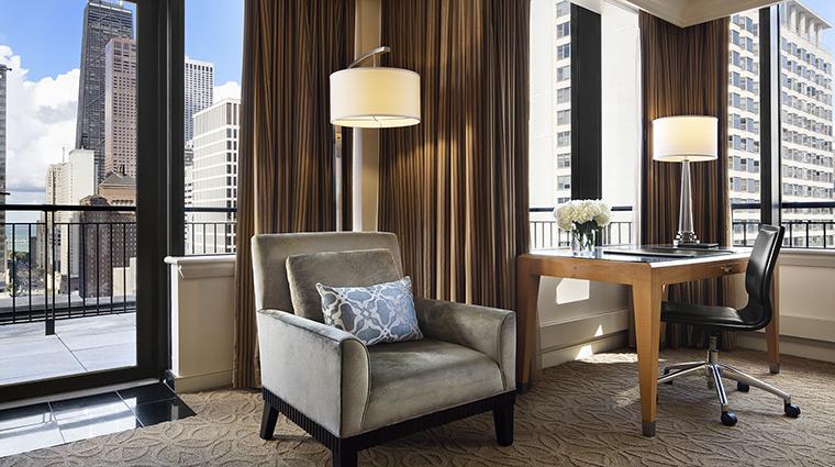Property TheGwen Hotel GuestroomSuite SuiteLivingRoom3 StarwoodHotels&ResortsWorldwideInc