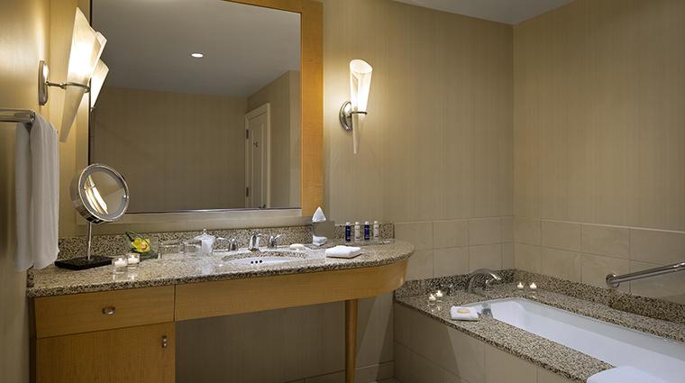 Property TheGwen Hotel GuestroomSuite TerraceSuiteBathroom StarwoodHotels&ResortsWorldwideInc