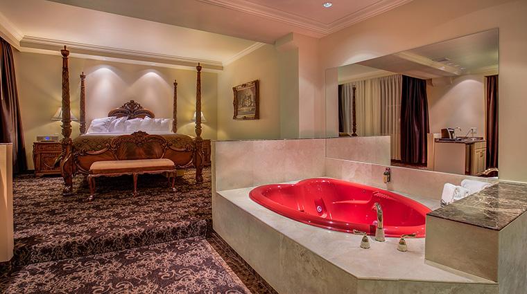 Property TheHistoricDavenportHotel Hotel GuestroomSuite HoneymoonSuite MarriottInternationalInc