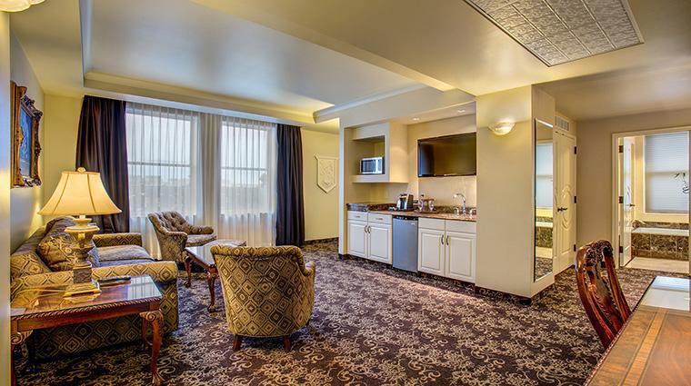 Property TheHistoricDavenportHotel Hotel GuestroomSuite ParlorSuiteLivingArea MarriottInternationalInc