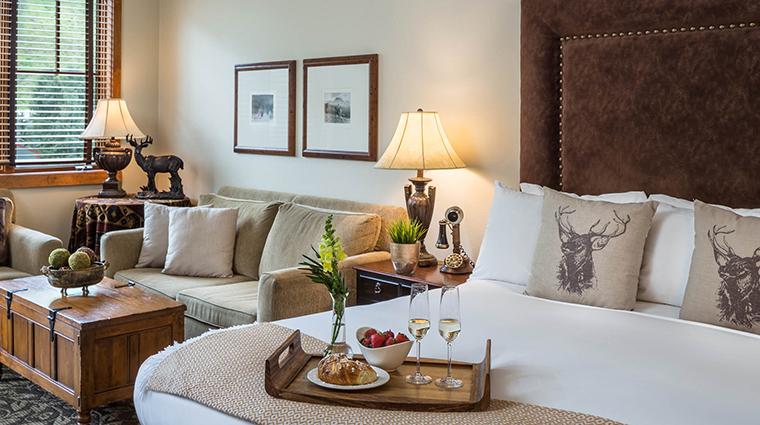 Property TheHotelTelluride Hotel GuestroomSuite KingGrandRoom2 HotelTelluride
