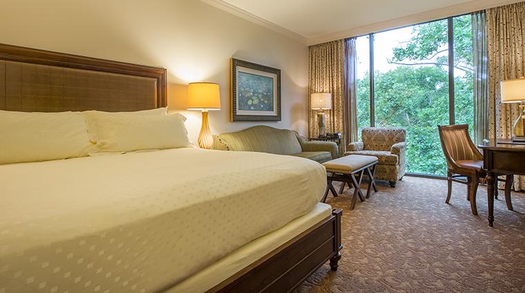 Property TheHoustonianHotelClub&Spa Hotel GuestroomSuite DeluxeKingRoom TheHoustonianHotelClub&Spa