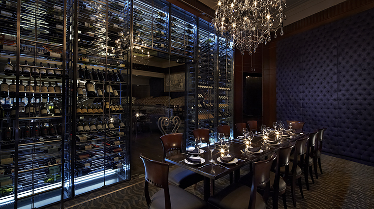 Property TheKimberlyHotel Hotel Dining EmpireSteakHouseWineRoom TheKimberlyHotel