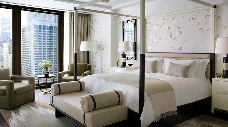 Property TheLanghamChicago Hotel 5 GuestroomSuite InfinitySuite MasterBedroom CreditLanghamHotelsInternationalLimited