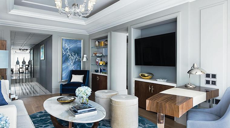 Property TheLanghamHongKong Hotel GuestroomSuite HarmonySuiteLivingRoom LanghamHotelsInternationalLimited