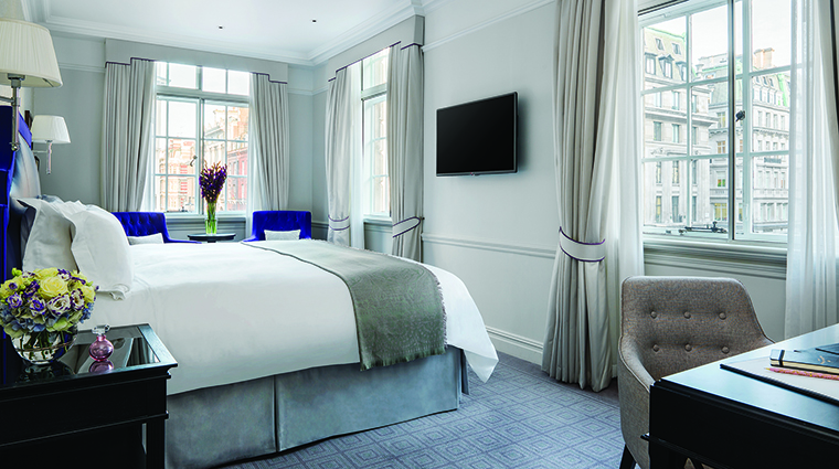 Property TheLanghamLondon Hotel GuestroomSuite GrandExecutiveKing LanghamHotelsInternationalLimited