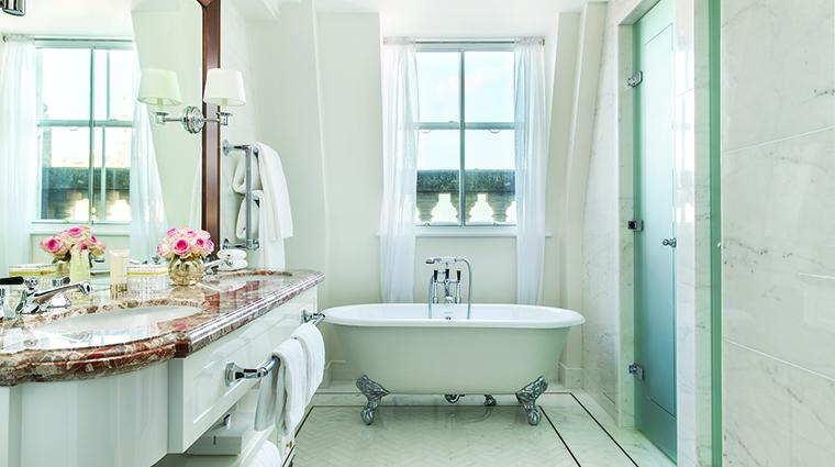 Property TheLanghamLondon Hotel GuestroomSuite OneBedroomSuiteBathroom LanghamHotelsInternationalLimited