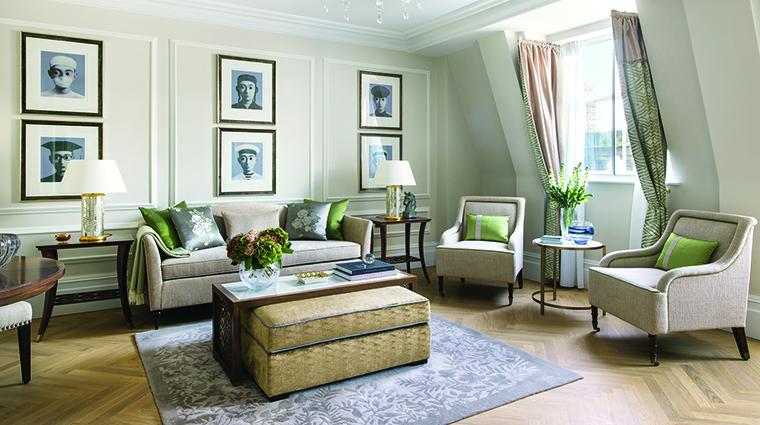 Property TheLanghamLondon Hotel GuestroomSuite OneBedroomSuiteLivingRoom LanghamHotelsInternationalLimited