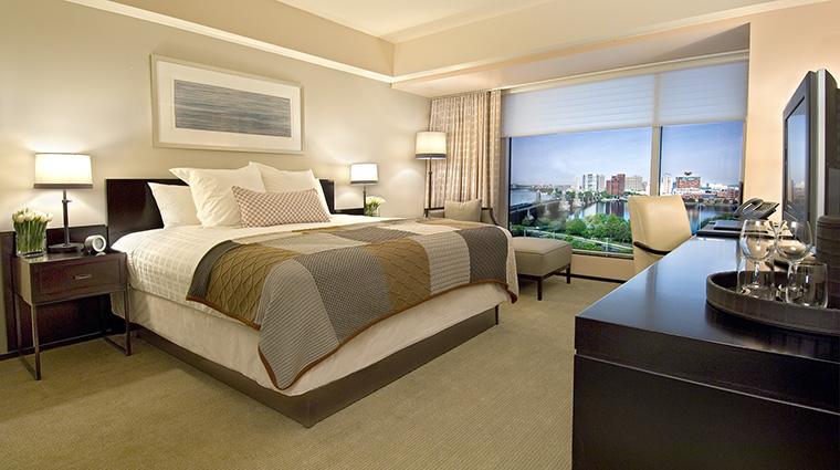 Property TheLibertyHotel Hotel GuestroomSuite CityViewGuestroom StarwoodHotels&ResortsWorldwideInc