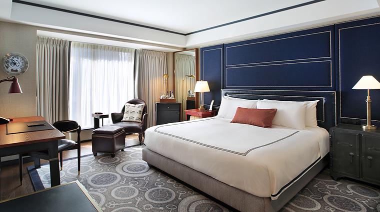 Property TheLibertyHotel Hotel GuestroomSuite NewlyRenovatedGuestroom StarwoodHotels&ResortsWorldwideInc
