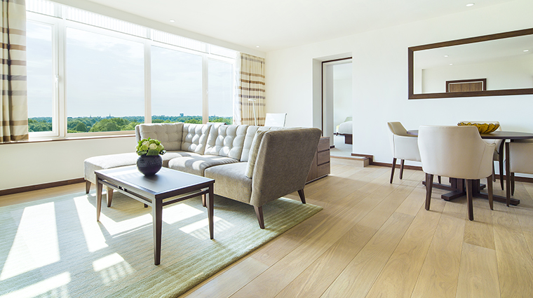Property TheMetropolitanbyCOMOLondon Hotel GuestroomSuite PenthouseLivingRoom TheCOMOGroup