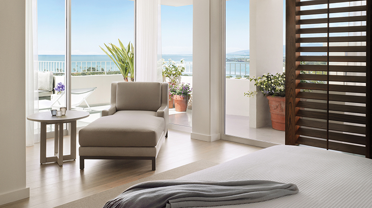 Property TheModernHonolulu Hotel 10 GuestroomSuite Penthouse Bedroom CreditTheModernHonolulu