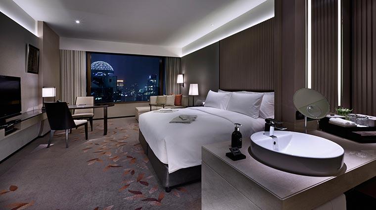 Property TheOkuraPrestigeBangkok Hotel GuestroomSuites DeluxeRoom CreditTheOkuraPrestigeBangkokHotel