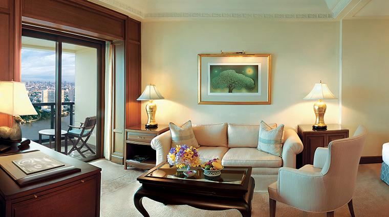 Property ThePeninsulaBangkok 7 Hotel GuestroomSuite BalconyRoom CreditTheHongkongandShanghaiHotelsLimited