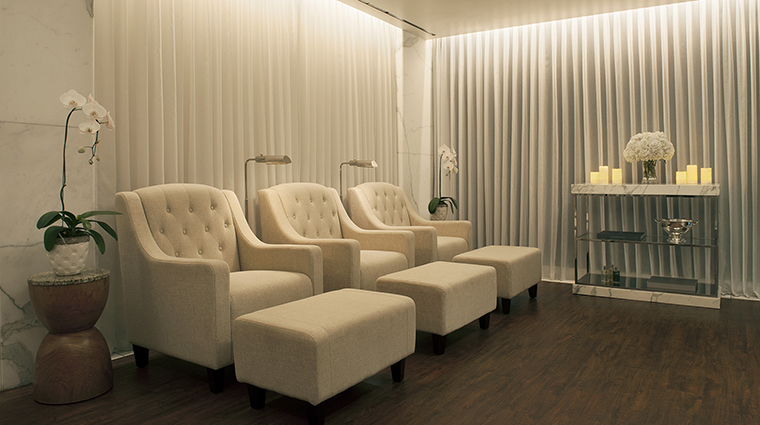 Property ThePeninsulaBeverlyHills Hotel Spa Lounge ThePeninsulaHotels