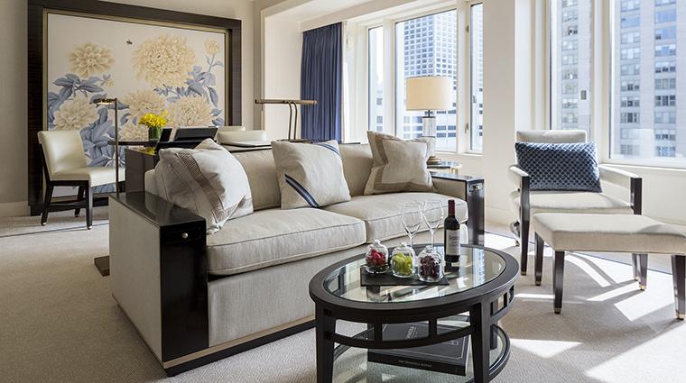 Property ThePeninsulaChicago Hotel GuestroomSuite JuniorSuiteLivingRoom ThePeninsulaHotels