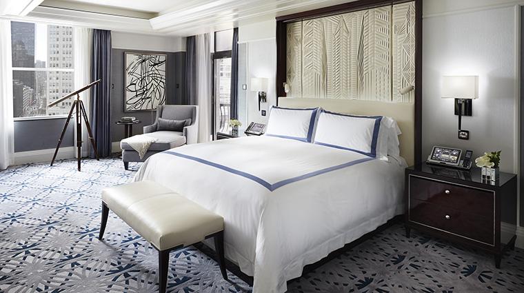 Property ThePeninsulaNewYork Hotel GuestroomSuite FifthAvenueSuiteMasterBedroom ThePeninsulaHotels