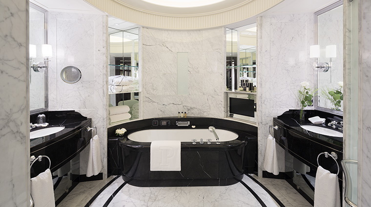 Property ThePeninsulaParis Hotel GuestroomSuite Bathroom ThePeninsulaHotels