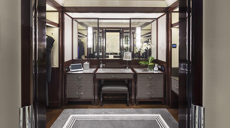 Property ThePeninsulaParis Hotel GuestroomSuite DressingRoom ThePeninsulaHotels