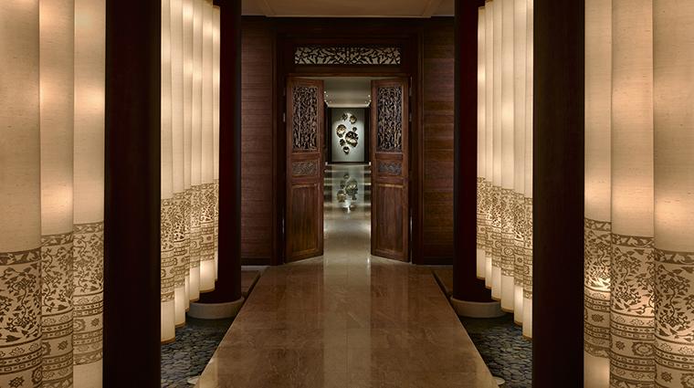 Property ThePeninsulaSpaBangkok 2 Spa Style LanternCorridor CreditTheHongkongandShanghaiHotelsLimited