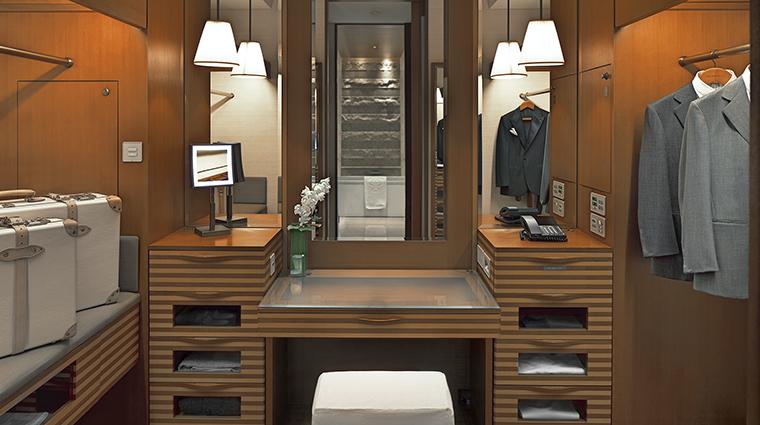 Property ThePeninsulaTokyo Hotel GuestroomSuite DeluxeRoomDressingRoom ThePeninsulaHotels