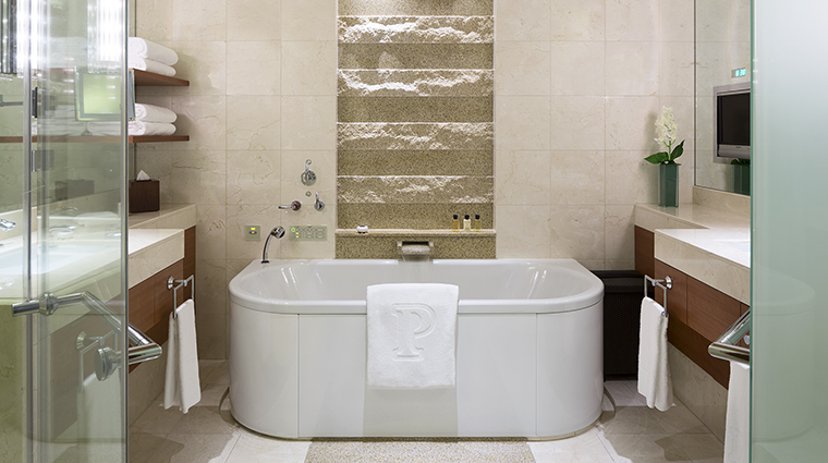 Property ThePeninsulaTokyo Hotel GuestroomSuite GuestroomBathroom ThePeninsulaHotels